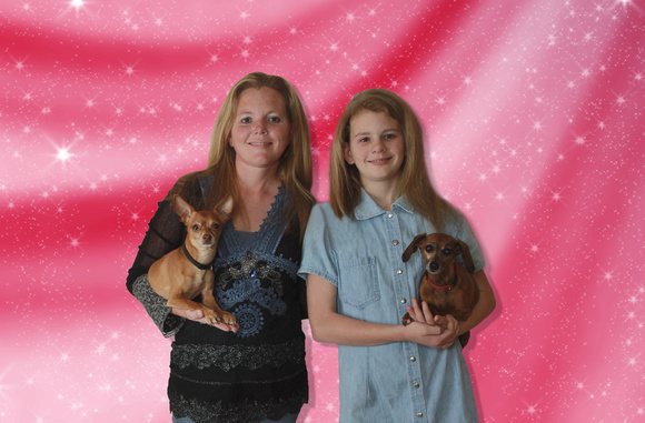 mary lizzy and dogs